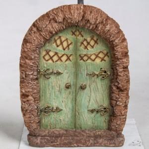 Green Arbor Fairy door