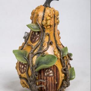 Rustic Mustard Gourd House BJ152185V